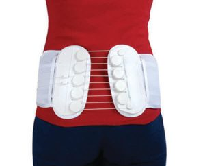 woman in red top with si belt-best sacroiliac belt